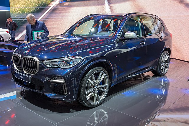 BMW X5 M50d at Mondial Paris Motor Show 2018.